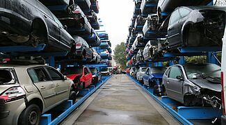 Cantilever racking for cars